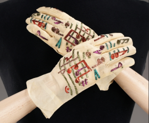 Elsa Schiaparelli, Music Gloves, 1939.