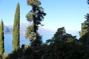 Villa Mezi Park, view on lake